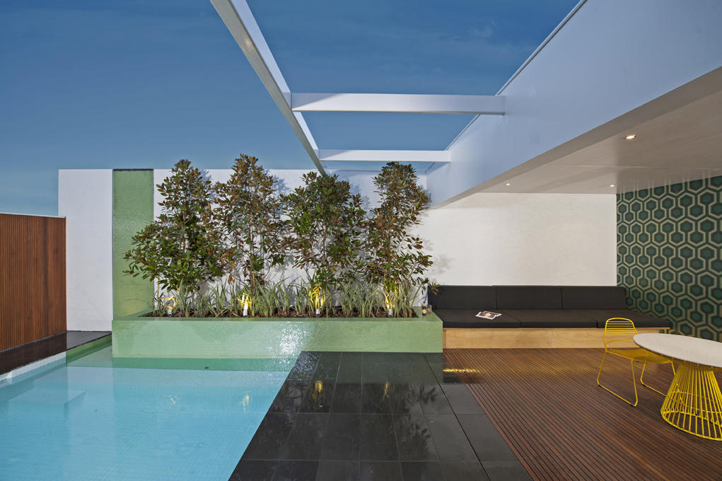 Enkipools wins spasa award for swimming pool construction for Award winning courtyard designs