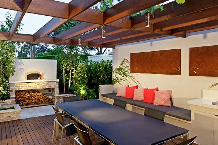 Australian house garden feature article for Outdoor garden rooms
