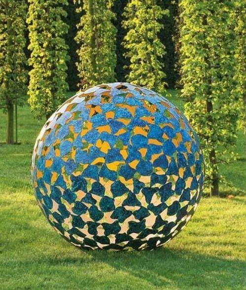 David Harber mantle sculpture featured in Ian Barker Gardens Garden Notebook Edition 29.