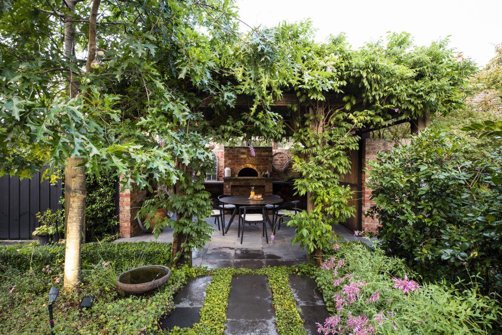 Informal back garden design at Box Hill project by Ian Barker Gardens