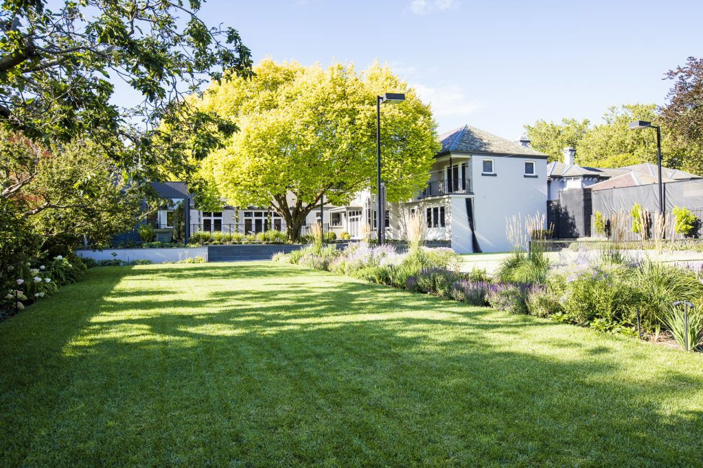Traditional Garden Style - Camberwell, VIC